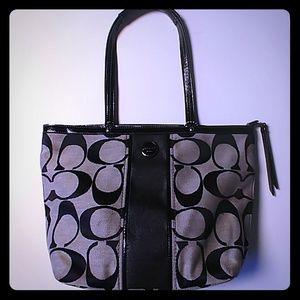 Coach purse. Beautiful bag!